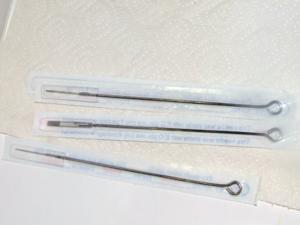 Использование одноразовых инструментов в тату-салонах