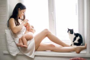 Не имеет противопоказаний в период грудного вскармливания