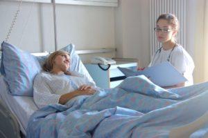 При обострении гепатита терапия должна происходить в стационаре