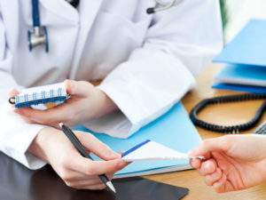 схему лечения назначает врач